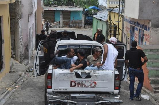 DNCD desmantela punto de drogas en El Manguito y Km. 8 Carretera Sánchez