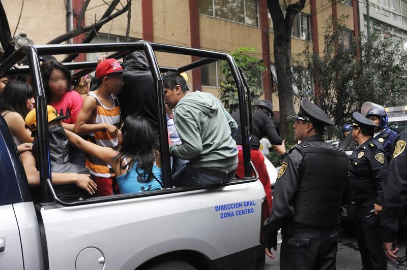 Más de 250 jóvenes detenidos en México por desorden público