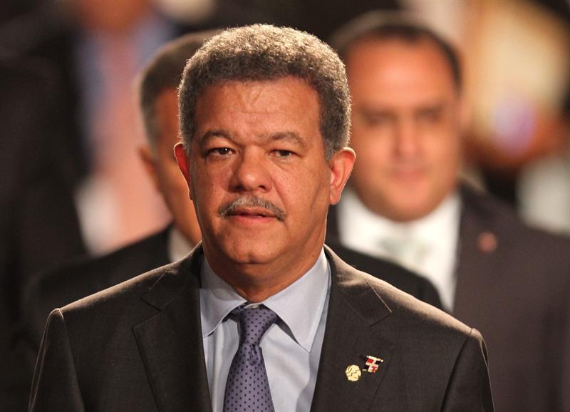 Presidente Fernández deja abierta ventadilla de servicios de autorizaciones sanitarias en Salud Pública
