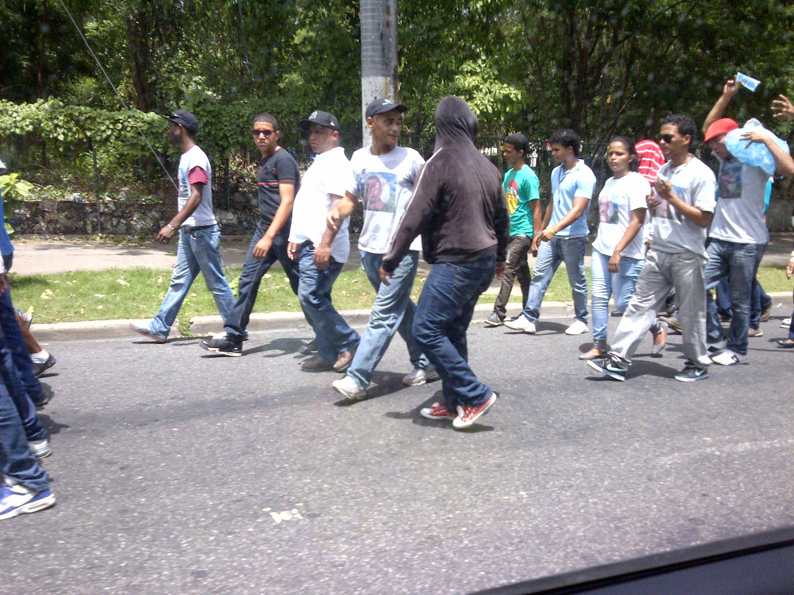 Llegan al Congreso Nacional grupos populares de Salcedo tras cuatro días de marcha