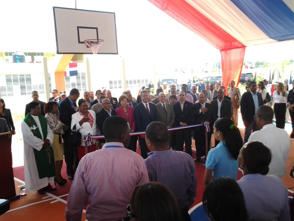 Presidente Fernández inaugura obras en el Sur del país
