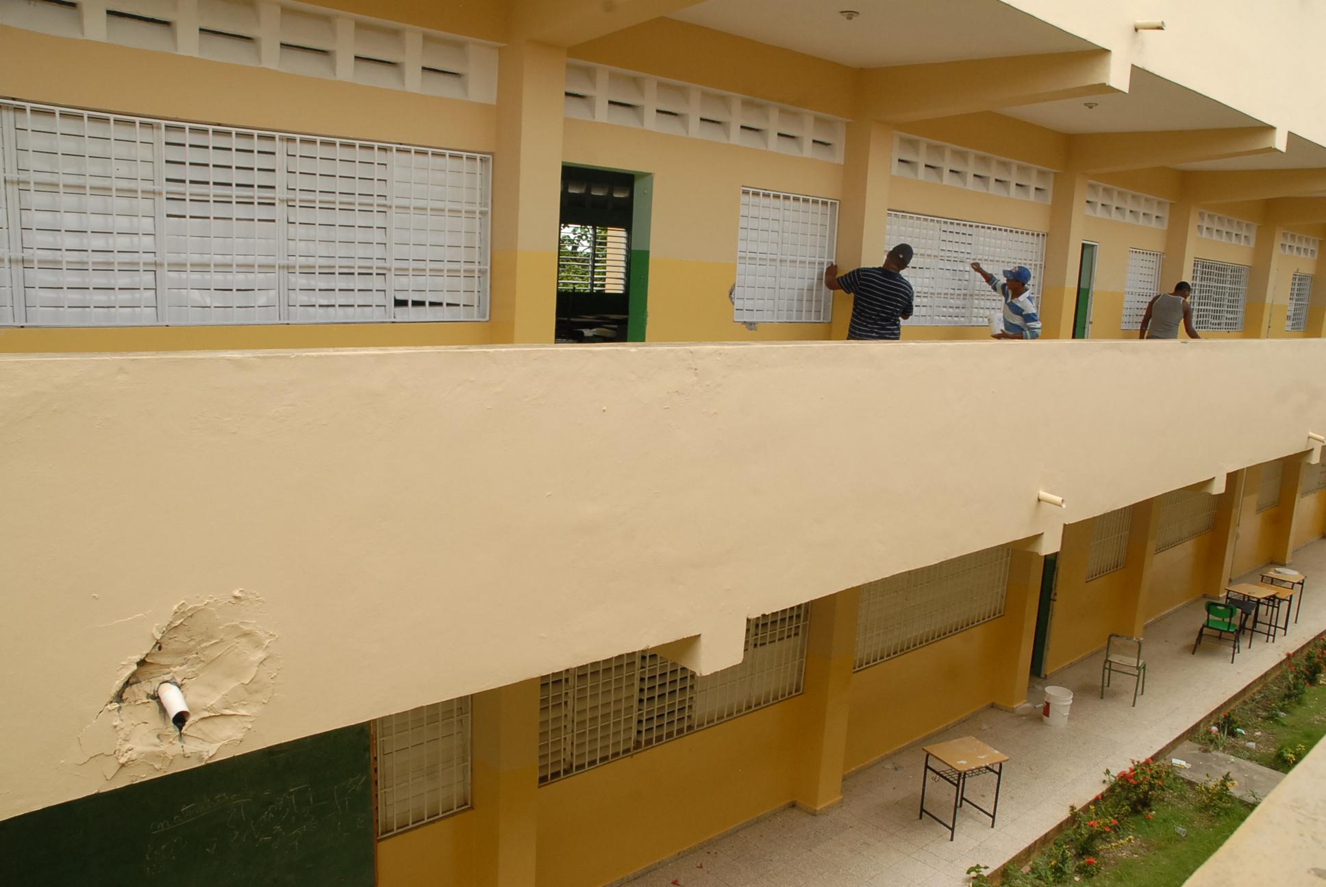 MINERD dará mantenimiento a 20 mil aulas de centros públicos