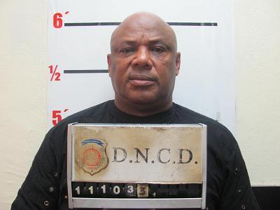 Apresan sargento mayor de la PN y dos civiles con 12 kilos de cocaína, informa DNCD