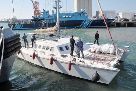 Policía española intercepta un barco en el Atlántico con 800 kilos de cocaína