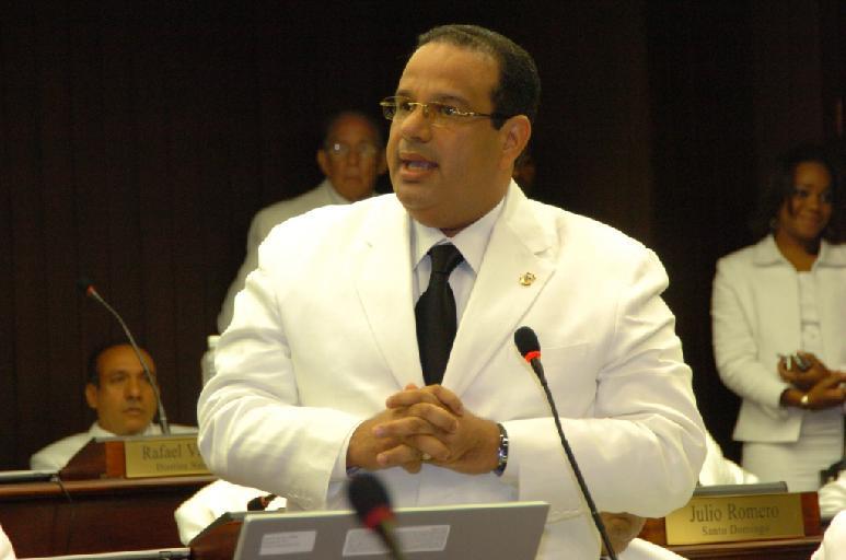 Renuncia al PRD diputado Cristian Paredes