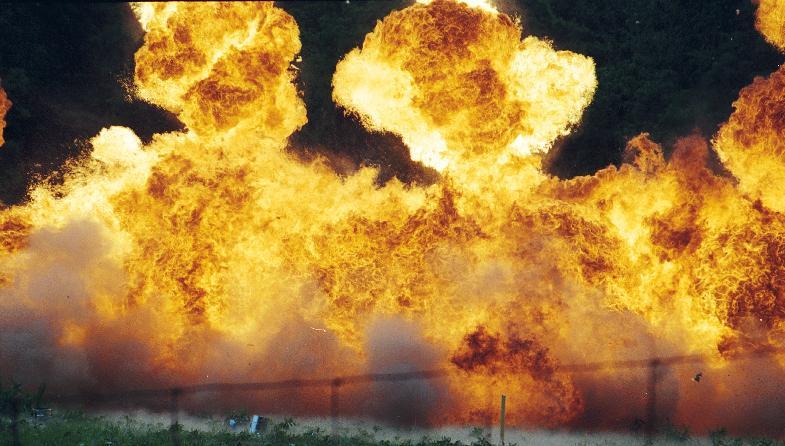 Al menos 12 muertos y 20 heridos tras deflagración en fábrica de explosivos