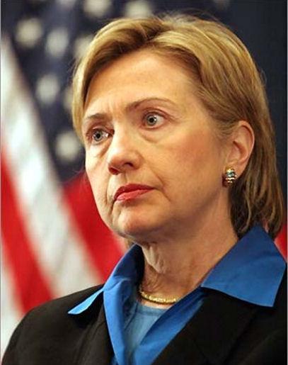 WikiLeaks dice tener más de mil correos de Hillary Clinton y publica algunos
