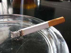 Firman acuerdo que busca reducir consumo de tabaco en el país