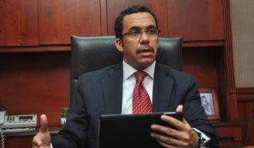 Canciller Andrés Navarro lamenta muerte de Morales Troncoso