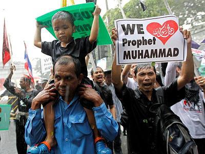 EE.UU. cierra embajada en Bangkok ante protesta convocada por vídeo de Mahoma
