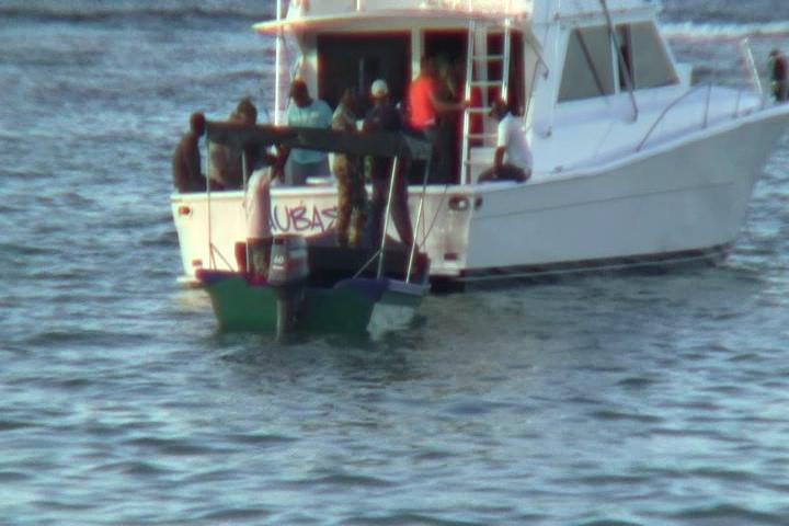 DNCD investiga tres detenidos por alijo de 120 kilos de cocaína en Samaná