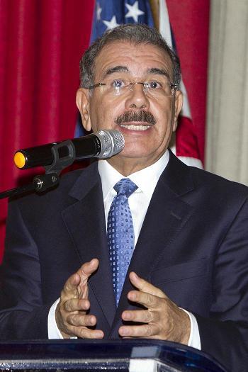 Presidente Medina dice iniciará Plan Nacional de Alfabetización el 7 de enero