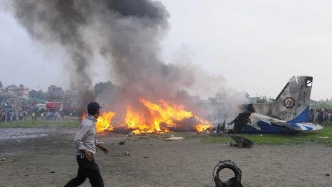 Diecinueve muertos en un accidente de avión en Katmandú