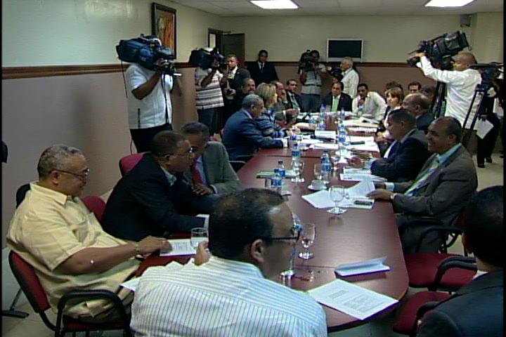 Banco Central pide que proyecto sobre tarjeta de crédito sea aprobado solo como resolución