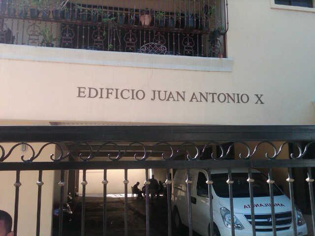 Desconocidos asesinan hombre en residencial en La Julia