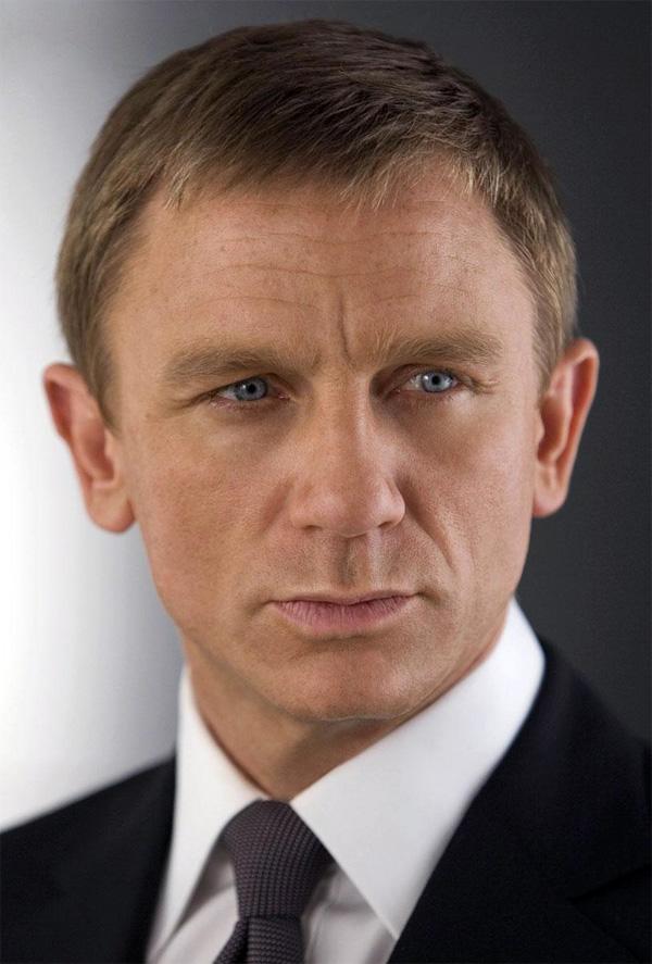 James Bond es... dominicano