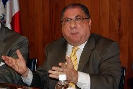 Interior y Policía se incauta de 14 armas de fuego y notifica ocho negocios en Haina y San Cristóbal