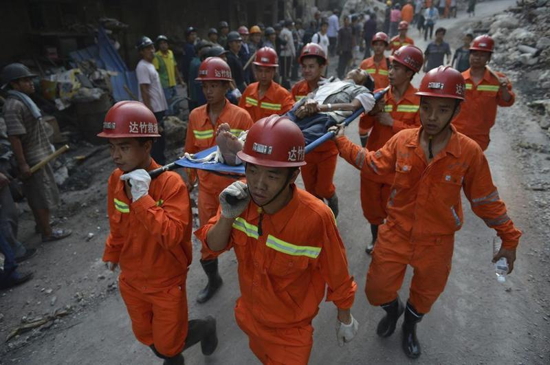 China intensifica tareas de rescate tras sismo que ha dejado 80 muertos