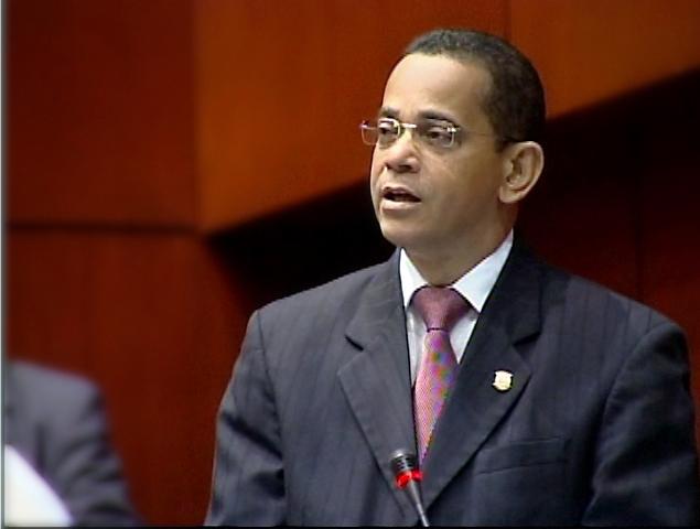 RD paga el más alto precio por banda ancha en AL, dice senador Vargas