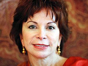 Obama impondrá Medalla de la Libertad a Isabel Allende y Edward Roybal