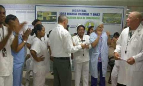 Enfermeras del hospital José María Cabral y Báez de Santiago paralizan sus labores