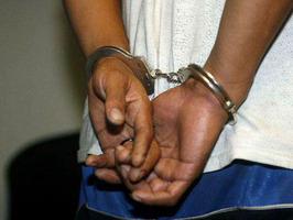A la cárcel hombre sorprendido con niño de 11 años en cabaña