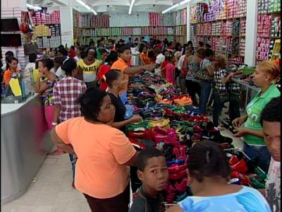 Se reactiva el comercio en Santiago a solo horas de la Nochebuena