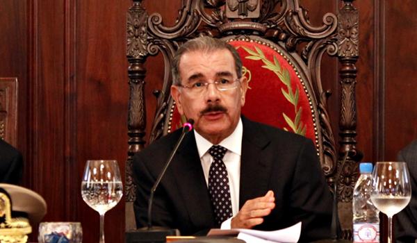 Presidente Medina se reúne con representantes del Congreso