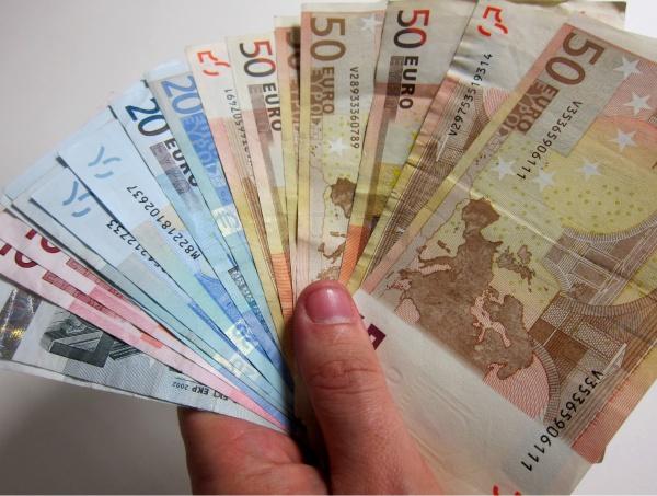 Sacerdote acusado de robar 34 mil euros se da a la fuga