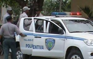 Persiguen madre e hija que supuestamente asesinaron mujer en Villa Mella