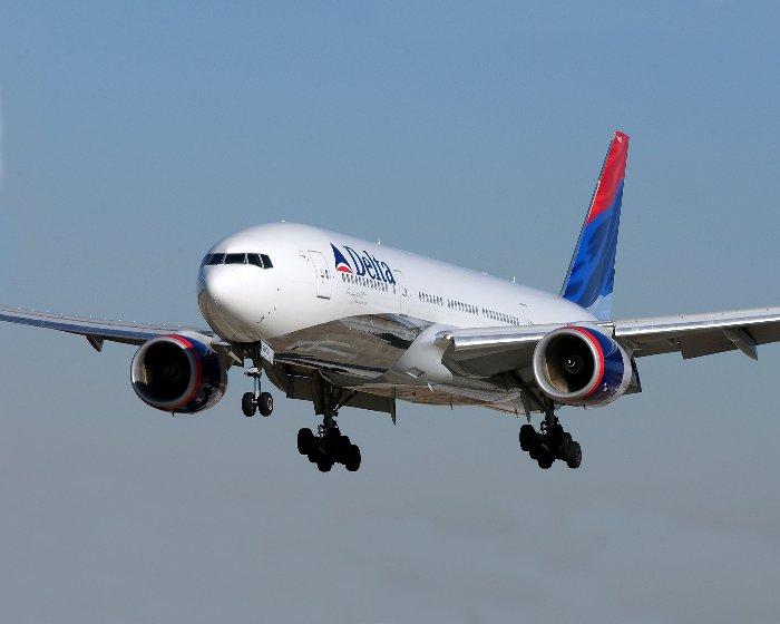 Pasajera obliga a desviar un avión por disputa por un asiento