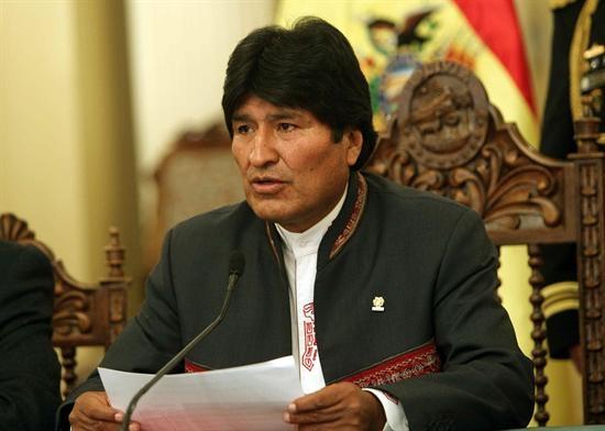 Evo Morales se reúne con obispos para posible visita del papa en 2015
