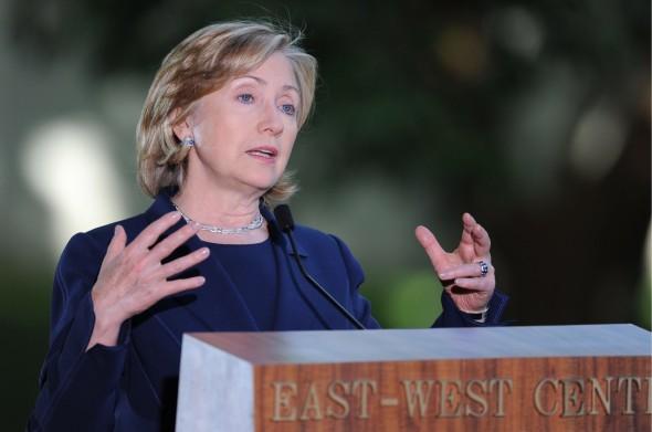 Hillary promete