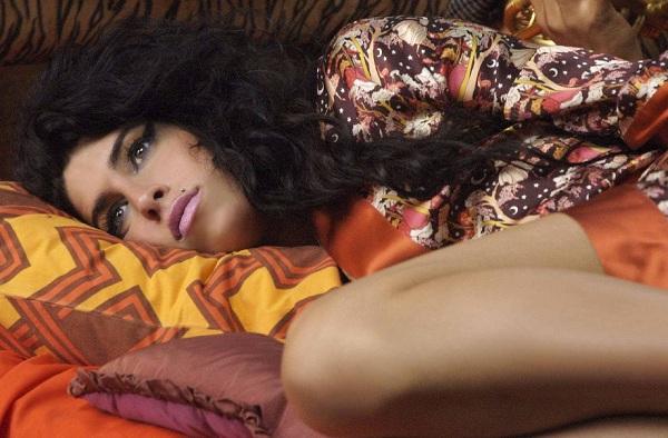 La madre de Amy Winehouse la encontró ebria en la víspera de su muerte
