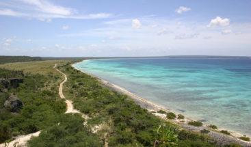 Obras Públicas acondiciona carretera de Bahía de las Águilas