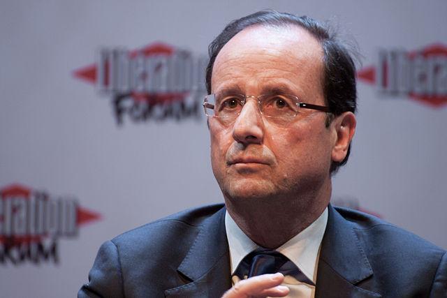 Hollande llega a Niza para visitar a las víctimas de la masacre