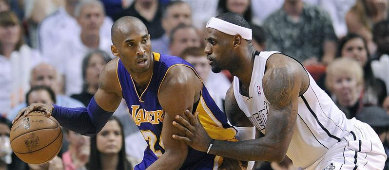 LeBron James y Kobe Bryant viven noche