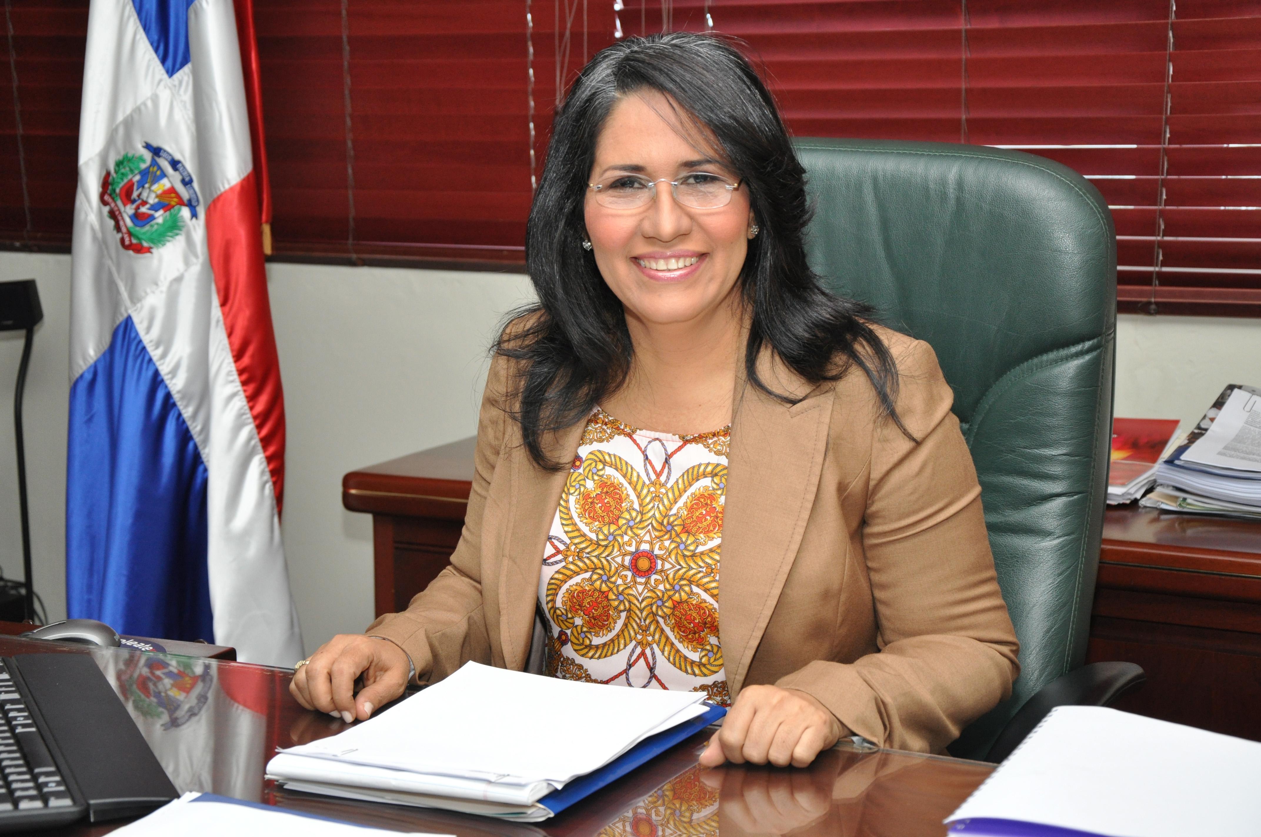 Ministra de Trabajo asiste a reunión regional sobre mercado laboral y seguridad social