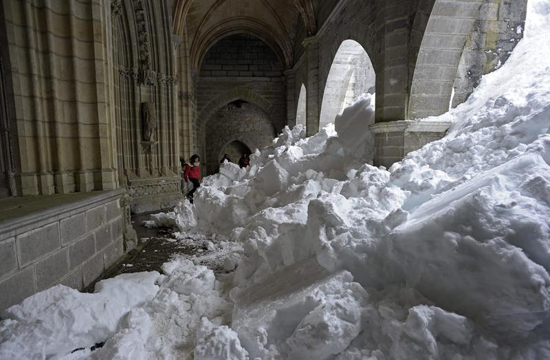 Temporal de nieve con temperaturas bajo cero afecta a noreste de EEUU