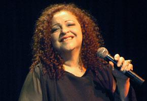 Continúa en estado delicado la cantante Sonia Silvestre