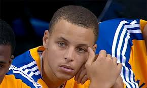 Curry impone marca y Warriors llegan a seis triunfos consecutivos