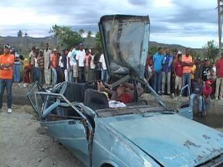 Mueren 4 jóvenes en accidente de tránsito en San Juan de la Maguana