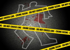 Hombre asesina cabo policial; lo despoja de su arma de reglamento