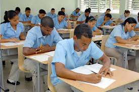 Llaman a más de 75 mil estudiantes a tercera convocatoria de Pruebas Nacionales