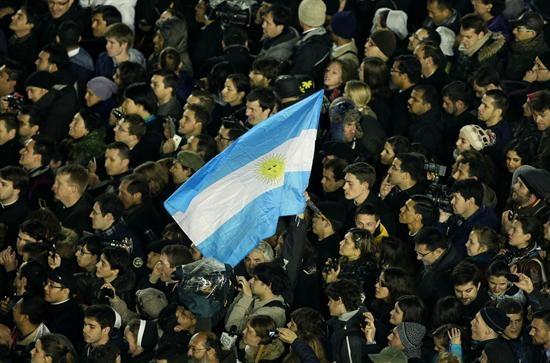 Argentina recibe la Navidad con cortes eléctricos y el temor a nuevos saqueos