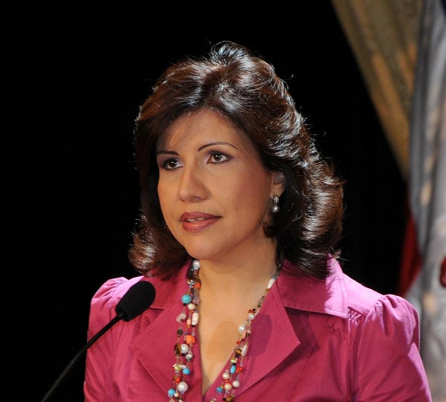 Vicepresidenta crea iniciativa de protección social para las mujeres