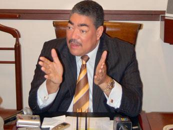 Miguel Mejía tilda de