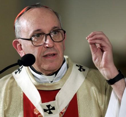 Papa pide a los jóvenes que no se