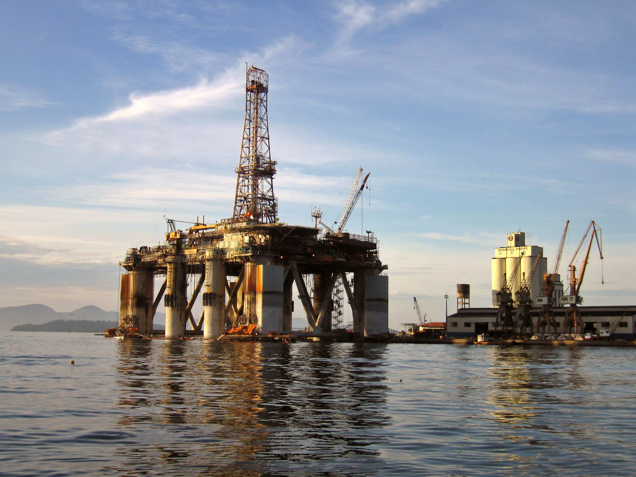 Petróleo de Texas abre con subida de 2.68% y se cotiza a 50.90 dólares