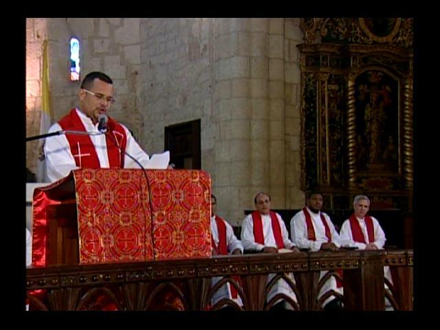 Sacerdotes critican bajos salarios durante Sermón de las 7 Palabras